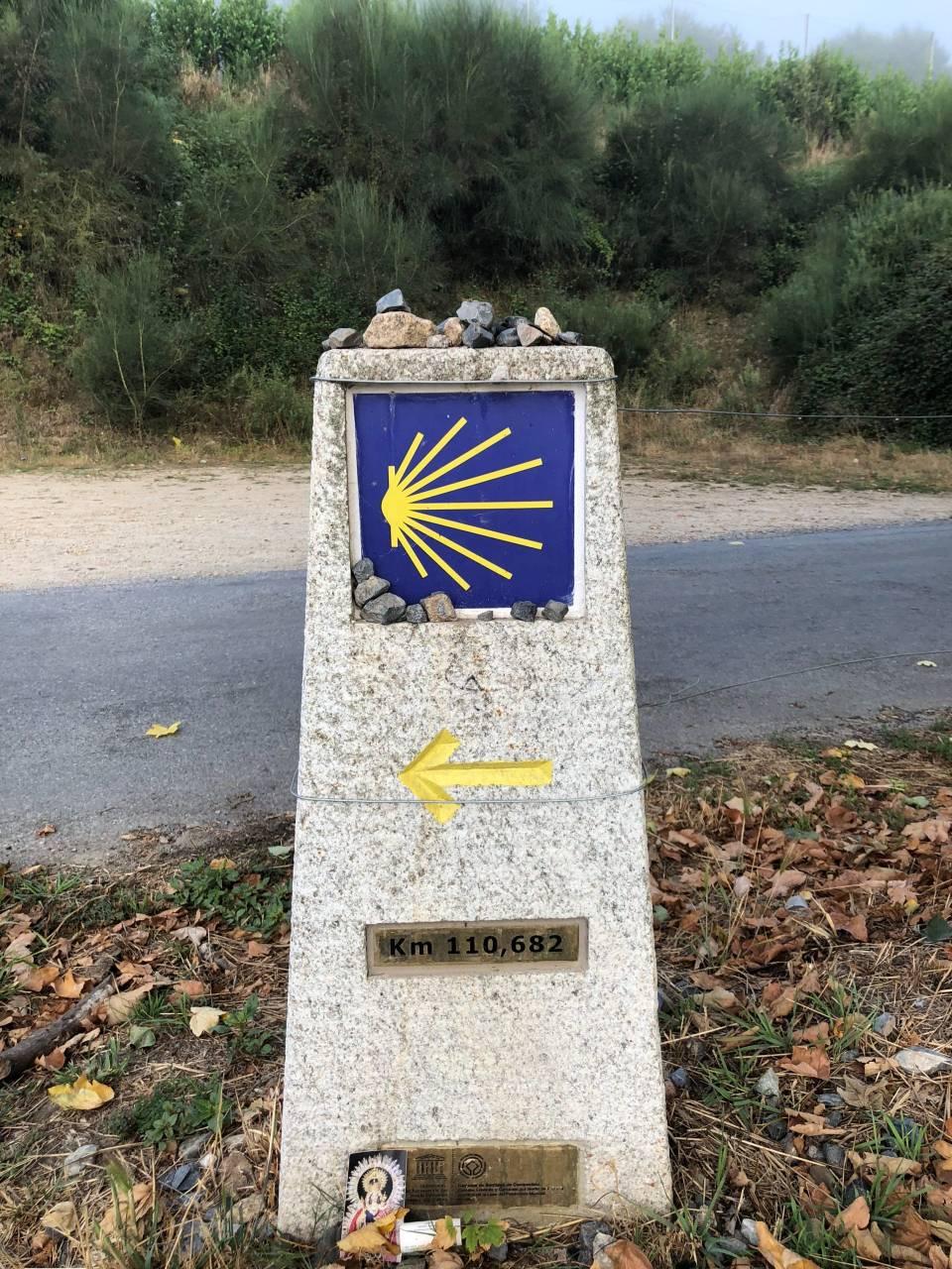 Kilometerstein bei Sarria