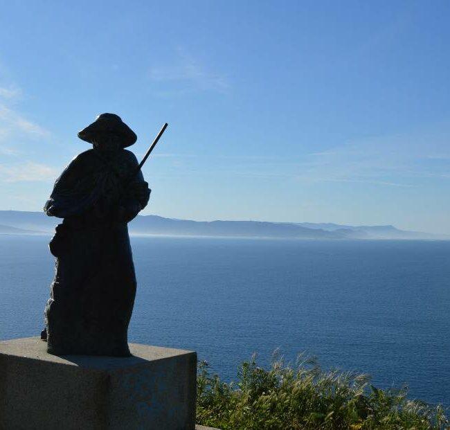 Pilgerstatue am Kap-Finisterre