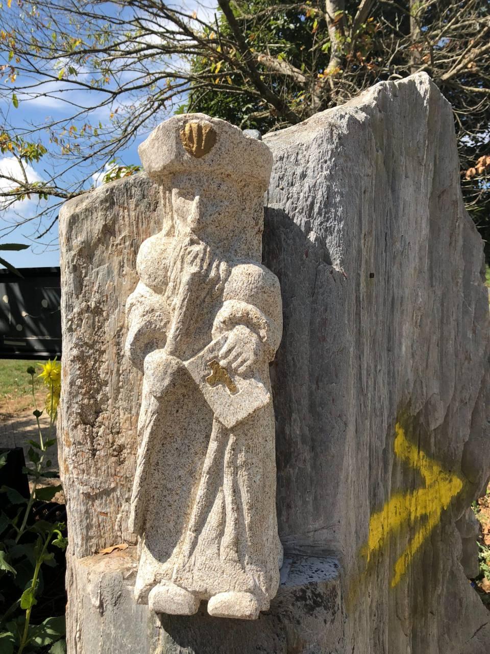 Pilgerstatue aus Stein