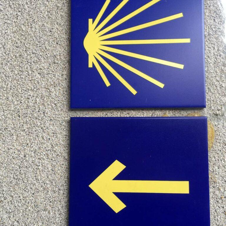 Zeichen Jakobsweg